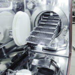 Transgene - Double chamber cell culture isolator for immunotherapy - Incubator integration