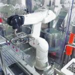 Combo Phill - Robotic handing vaccine production