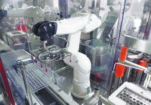 Combo Phill - Robotic handing vaccine production